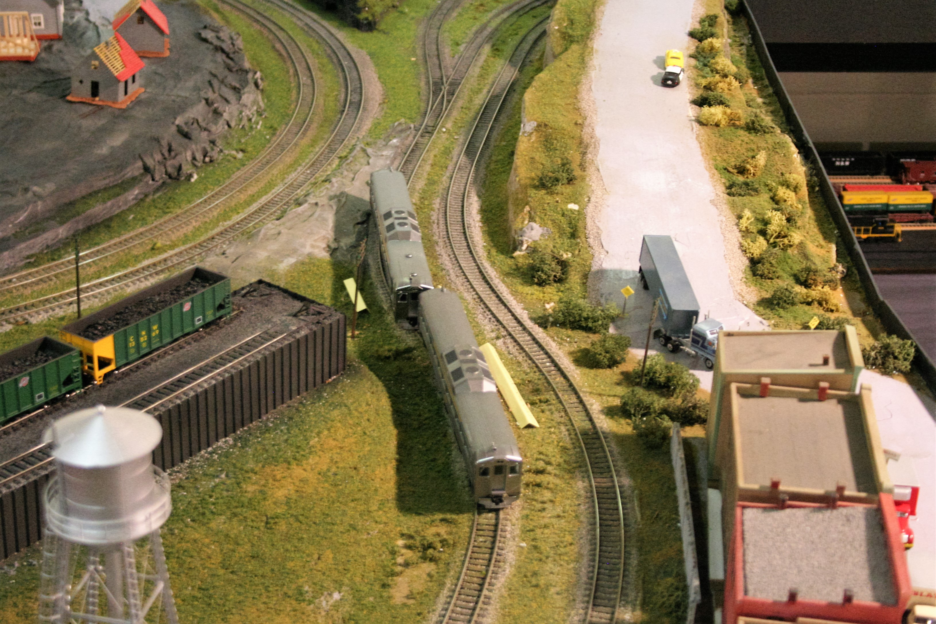 Found an S curve in the layout – KK&L Railroad